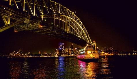 Sydneyshowboat party cruise